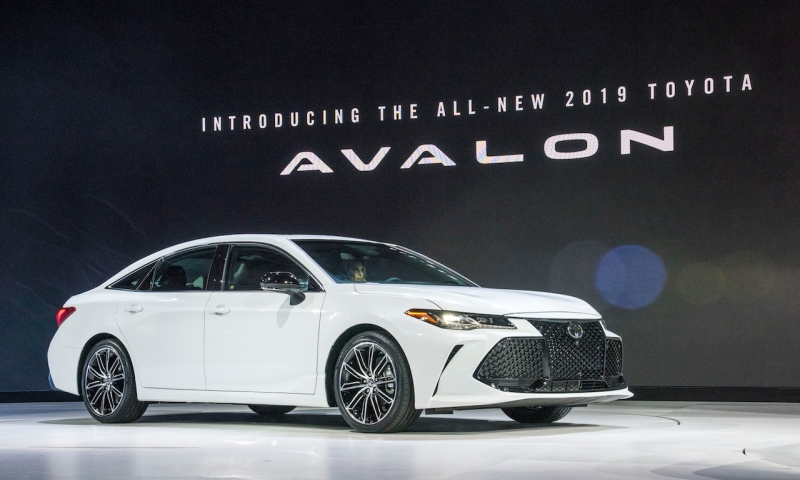 2018_detroit_auto_show_avalon_reveal