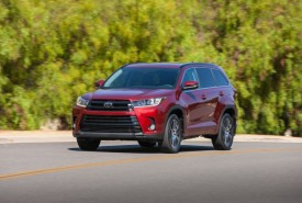 Nagroda Top Safety Pick + IIHS dla Toyoty Highlander 2017